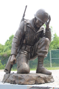 life size kneeling soldier